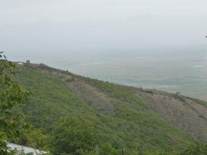 """Signagi - mesto lásky - Pohľad na staré opevnenie, gruzínsky """"Veľký čínsky múr"""""""