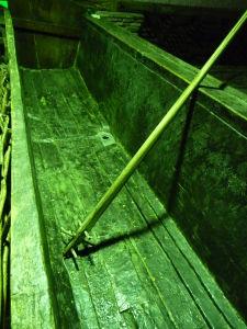 Vináreň Kindžamarauli - Tradičná výroba a skladovanie vína - Koryto pre lisovanie hrozna bosými nohami
