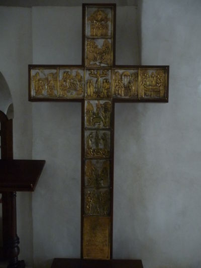 Kríž v svätyni v kláštore Davida Garedžu v Gruzínsku