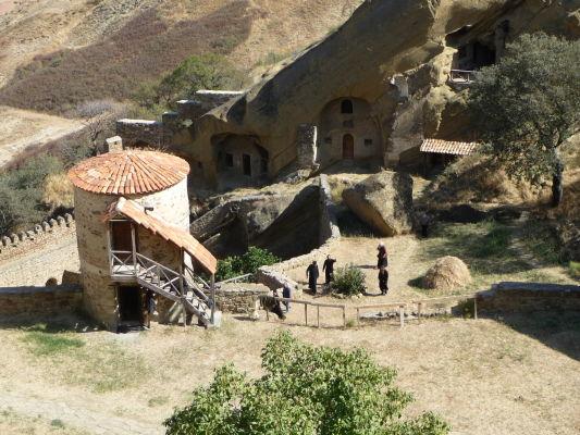 Kláštor Davida Garedžu v Gruzínsku je stále aktívny a stále tu žijú mnísi