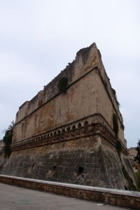 Jedna z mohutných obranných veží