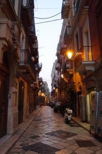 Uličky starého mesta večer
