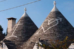 Strechy trulli bývajú zdobené rôznymi symbolmi
