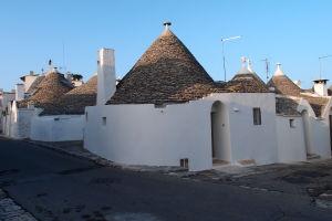 V uličkách Alberobella