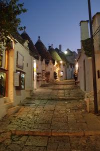 Večerné uličky Alberobella