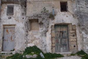Opustené domy v Rione Casalnuovo