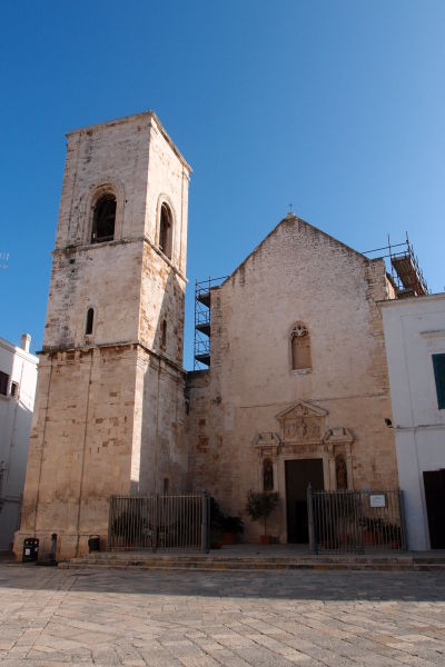 Bývalá Katedrála Nanebovstúpenej Matky Božej v meste Polignano a Mare