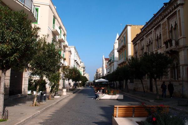Pešia zóna v Molfette - ulica Corso Umberto I.