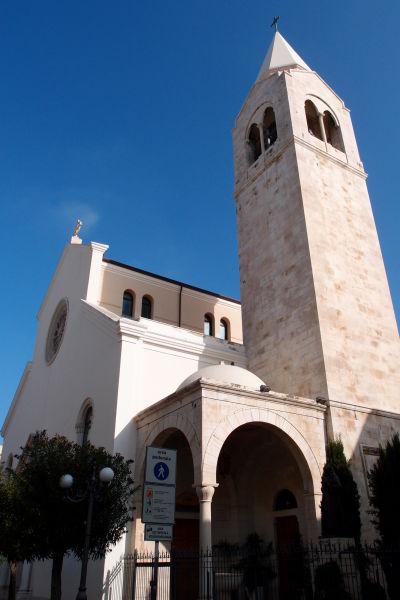 Farný kostol najsv. Srdca Ježišovho v Molfette