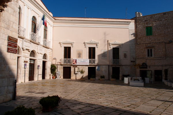 Námestie Piazza Municipio v Molfette - okresný úrad