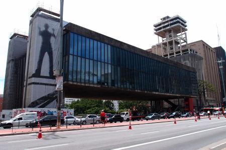 Avenida Paulista - Múzeum umenia (Museu de Arte de São Paulo Assis Chateaubriand)