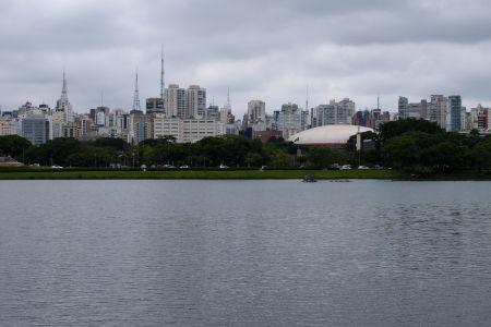 Pohľad na São Paulo z parku Ibirapuera