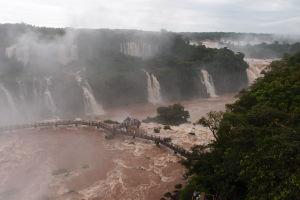 Vodopády Iguazú z brazílskej strany - Mostík pre turistov