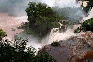 Vodopády Iguazú - Ostrov San Martín