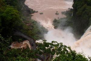 Vodopády Iguazú - V Argentíne sa k nim dostanete naozaj blízko