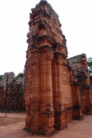 Ruiny kostola - dekorácia pripomína baroko