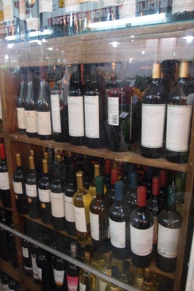 Mestská tržnica Mercado Norte v Córdobe - Kúpite tu i miestne víno, na ktoré sú Argentínčania hrdí