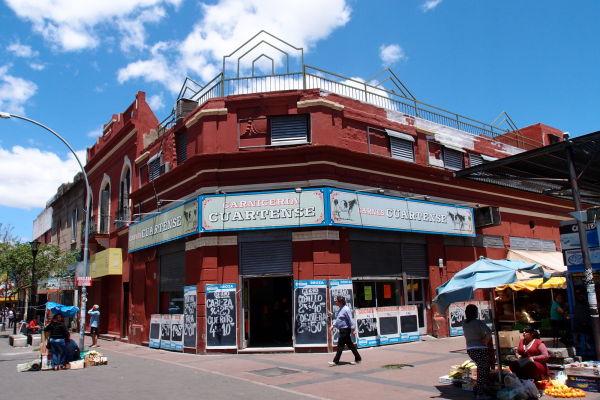 Mäsiarstvo oproti mestskej tržnici Mercado Norte v Córdobe