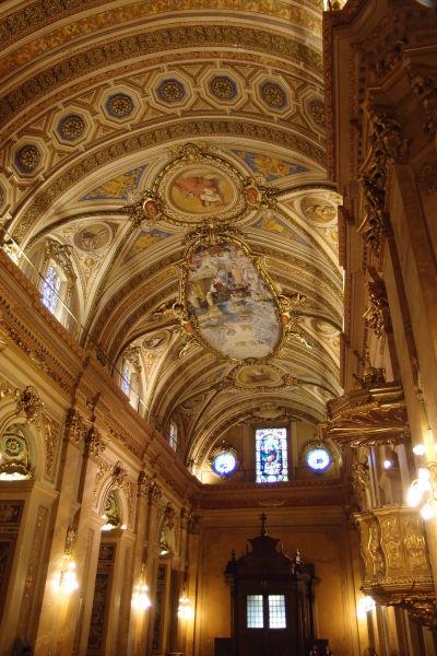 Katedrála Nanebovstúpenia Panny Márie v Córdobe - Bohato zdobený strop