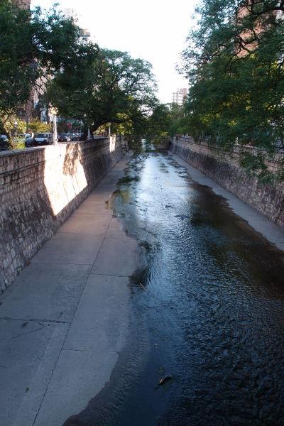Kanál Río Cañada v Córdobe