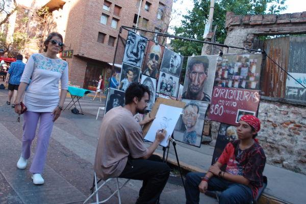 Umelci v štvrti Güemes v Córdobe