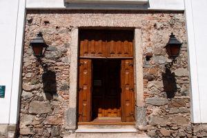 Vchod do baziliky