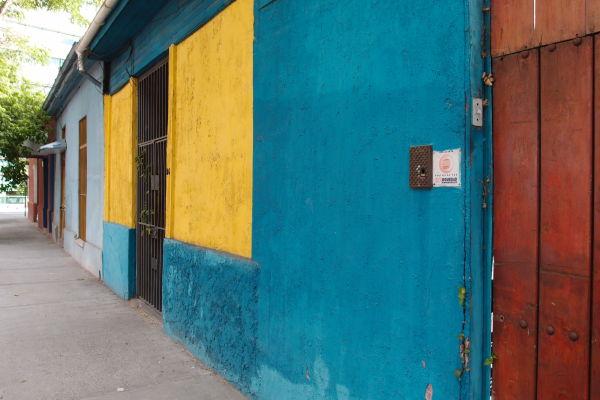 Santiago de Chile - Farebné domčeky v okolí múzea La Chascona