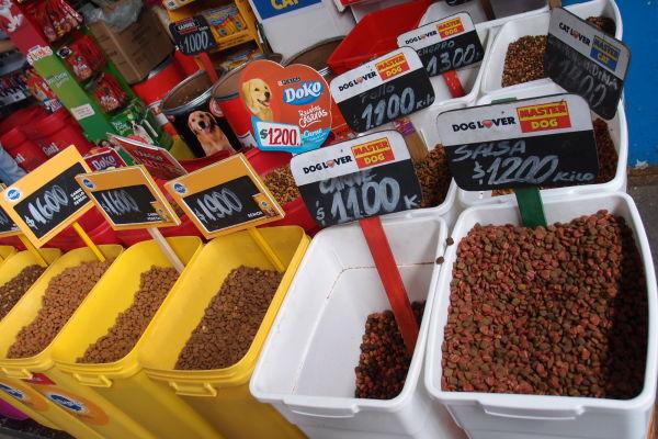 La Vega - najväčšia mestská tržnica v Santiagu de Chile - kúpite tu prakticky všetko, i žrádlo pre psy