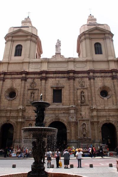 Dominikánsky chrám a kláštor Santo Domingo v Santiagu de Chile