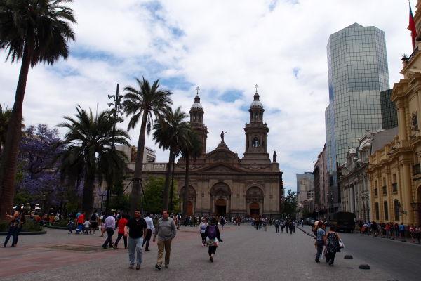 Námestie Plaza de Armas v Santiagu de Chile - V strede Metropolitná katedrála