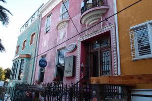 Farebné domy vo Valparaíse