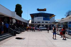 Obchodíky a reštaurácia v prístave