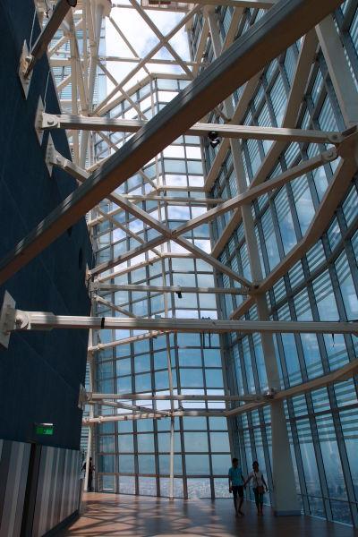 Druhé (otvorené) poschodie vyhliadky v Gran Torre - najvyššej budovy v Južnej Amerike