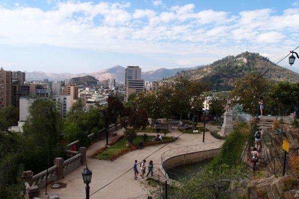 Pohľad z vrcholku kopca Santa Lucía v Santiagu