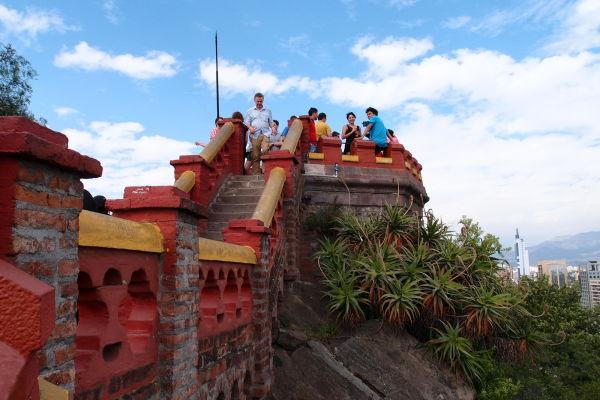 Hradby na vrcholku kopca Santa Lucía v Santiagu