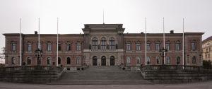 Uppsalská univerzita - Hlavná budova (Zdroj: Wikipedia.org)