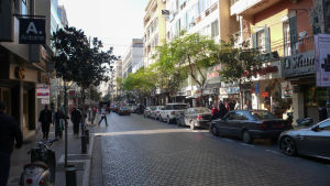 Ulica Al Hamra (zdroj: Flickr.com)