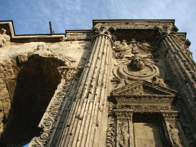 Marsova brána - rímsky oblúk v Reims slúžil ako jedna z brán v opevnení mesta (zdroj: Wikipedia)