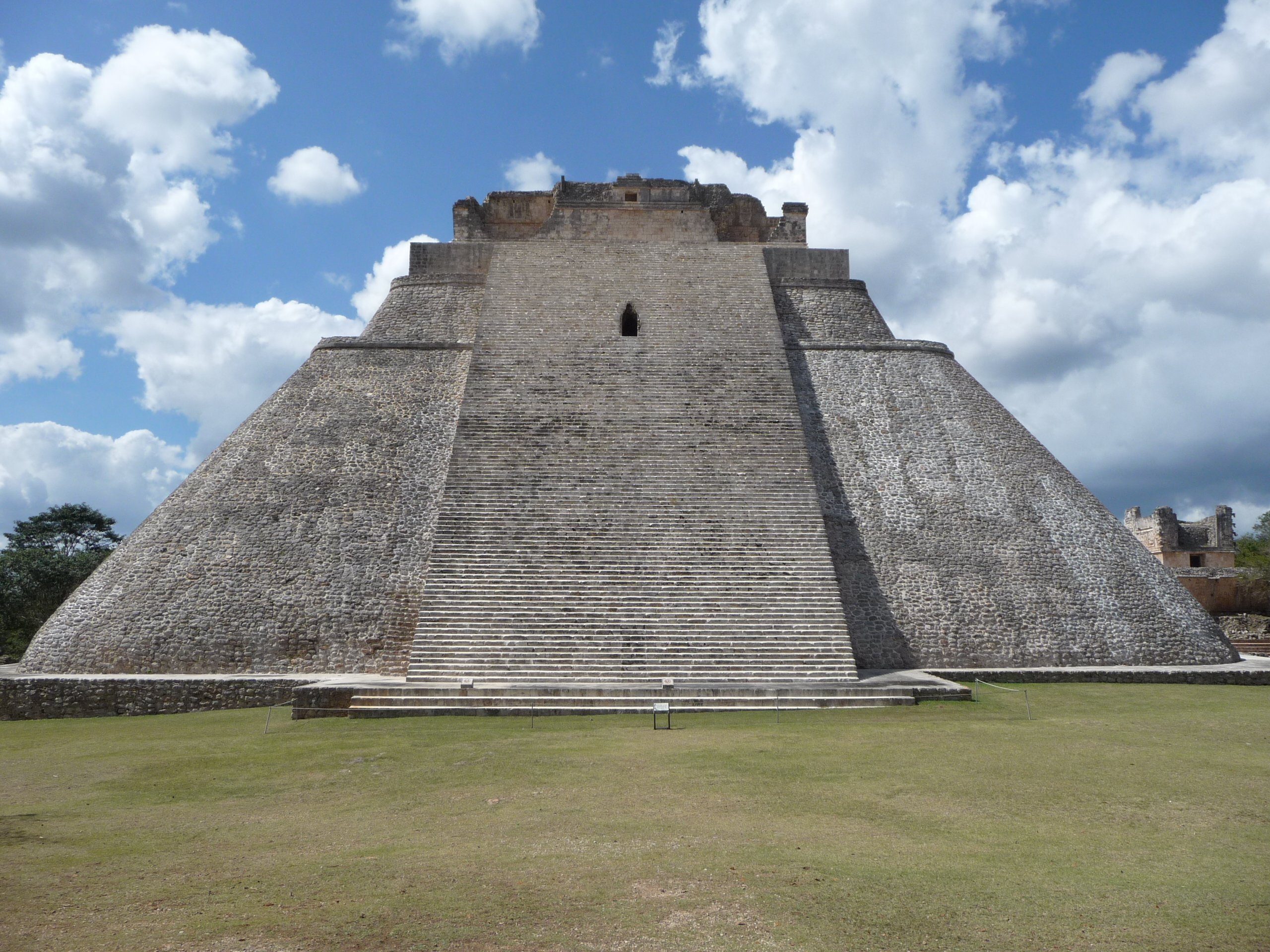 Veštcova pyramída v Uxmale
