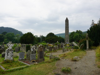 Kláštor Glendalough a tisícročná kruhová veža