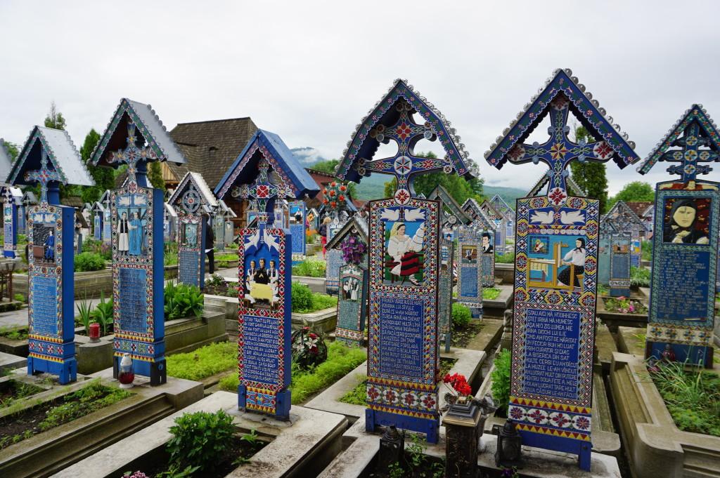 Veselý cintorín v Sapunke (Săpânțe)