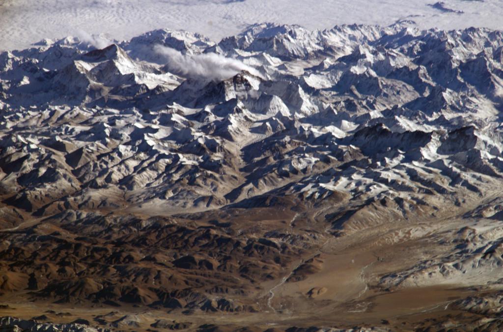 Himaláje (s Mt. Everestom) z vesmíru (zdroj: Wikipedia)