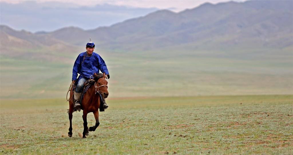 Jazdec v mongolskej stepi (Zdroj: Wikipedia)