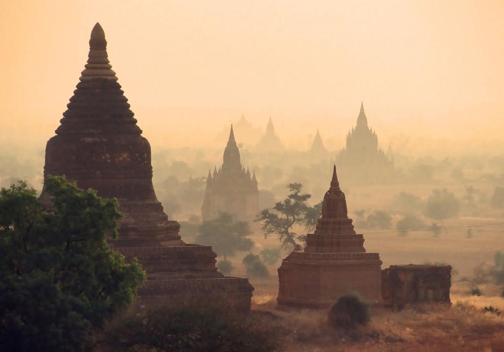 Chrámy v Bagane