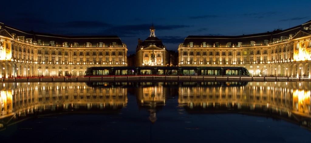 Námestie Place de la Bourse v Bordeaux (zdroj: Wikipedia)