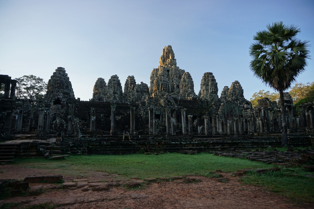 Východ Slnka nad mestom Angkor Thom