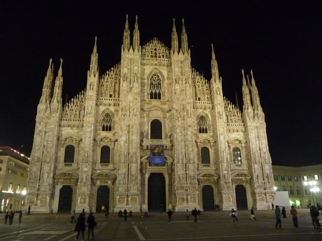 Duomo v Miláne v noci