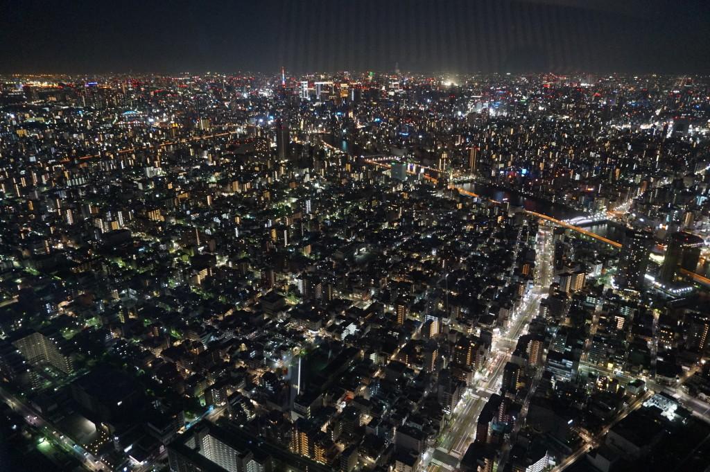 Nočné Tokio - mesto, ktoré nikdy nespí