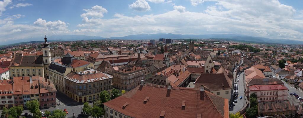 Pohľad na Sibiu z veže Luteránskej Katedrály sv. Márie