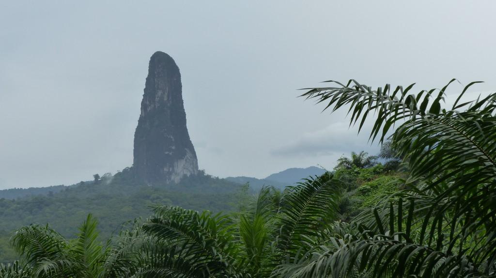 Hora Pico Cão Grande na ostrove Svätý Tomáš (Zdroj: Wikipedia)
